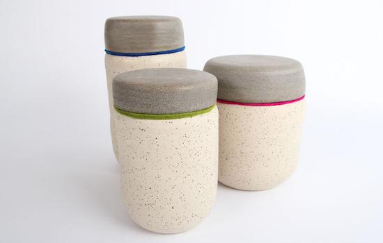 Heeft u voor crematie gekozen en weet u niet wat u moet doen met het as van uw dierbaren? Diana van juffrouwgrafsteen maakt persoonlijke urnen aan de hand van een eigen ontwerp.