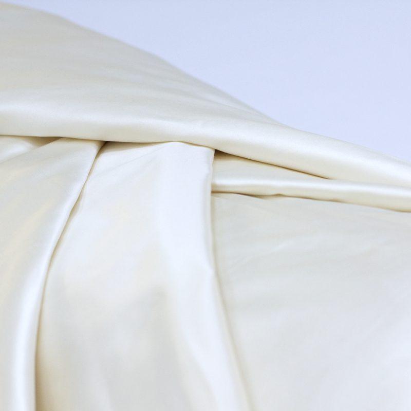 Afscheidswade is een stof die dient als zachte omhulsel voor een overledene